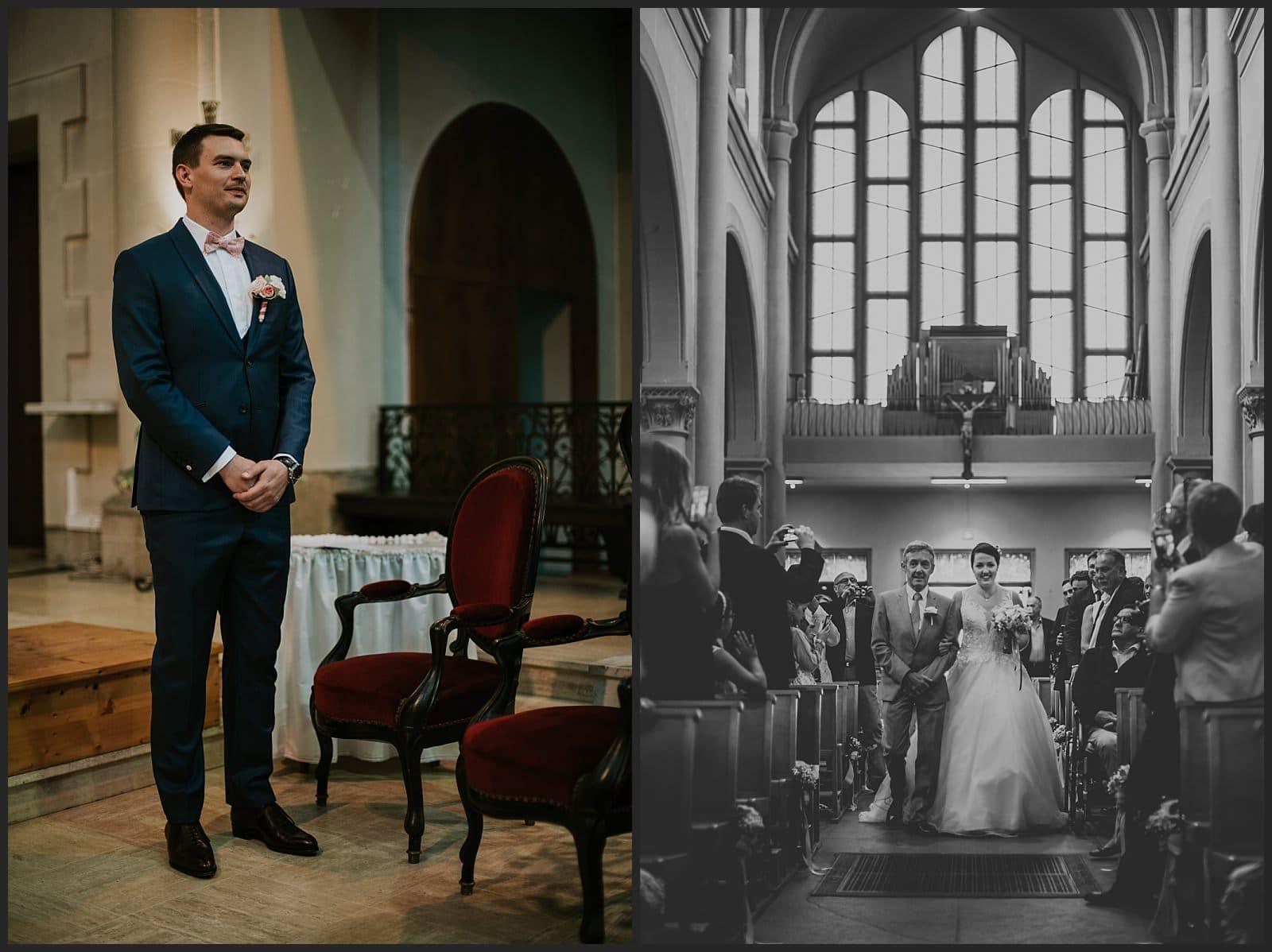mari qui attend sa mariée et mariée qui avance dans l'allée de l'Eglise Saint Joseph avec son père.