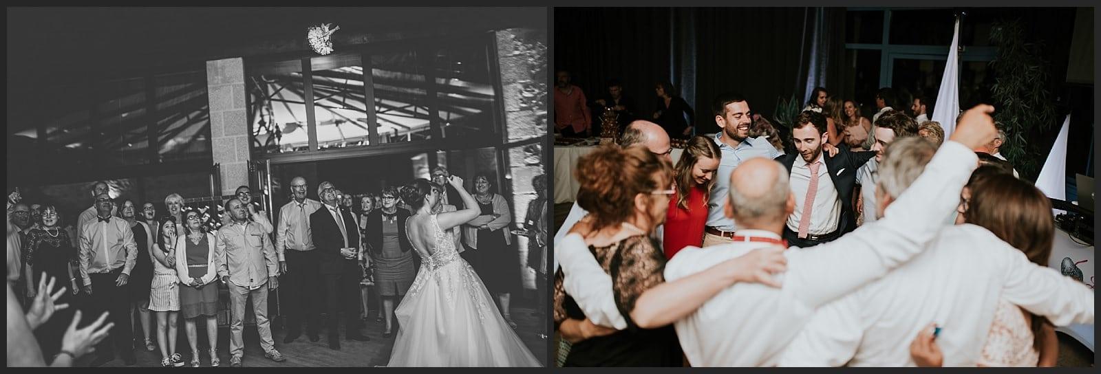 Lancer du bouquet et invité qui dansent à une soirée au clos des cèdres dj la cerise sur le gateau