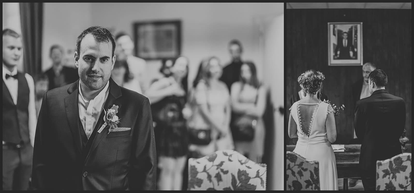 marié qui attend sa futur femme et mariée de dos face au maire