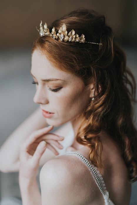 Cloé en mariée pour la collection de bijoux So Helo